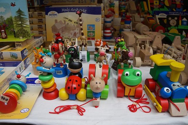 holzspielzeug-auswahl