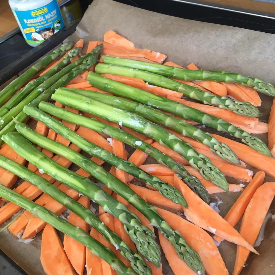 Kochen Für Mama Und Baby Grüner Spargel Und Süßkartoffelsticks